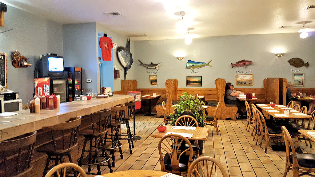 seafood kitchen interior2