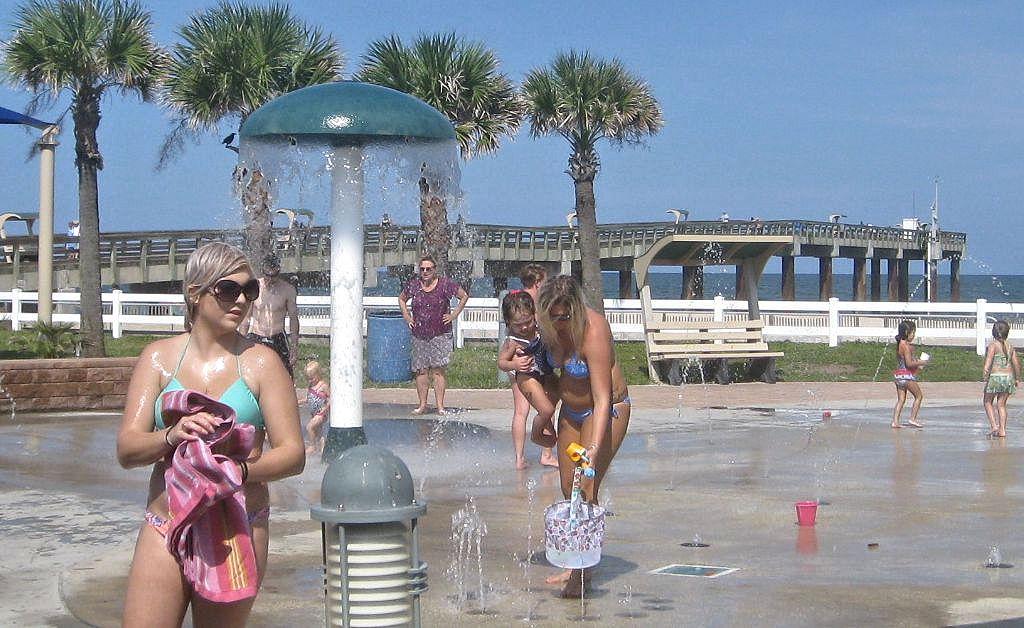 st augustine beach pier splash park2