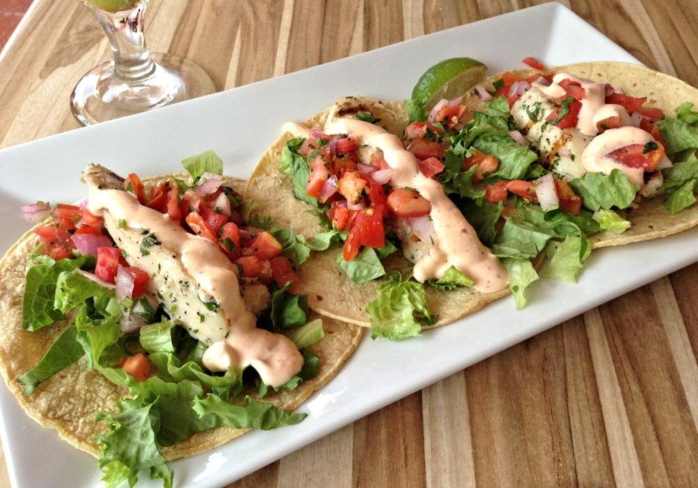 casa maya fish tacos