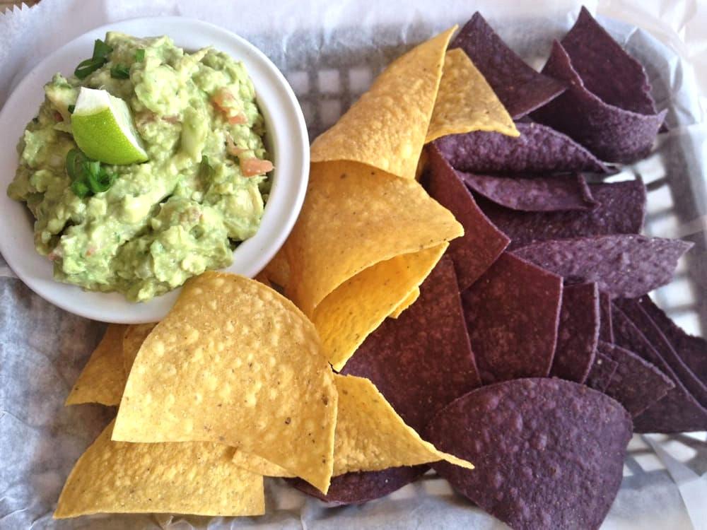 casa maya guacamole and chips