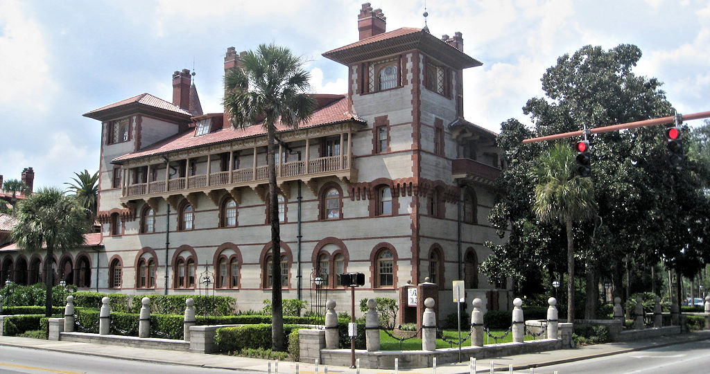 flagler college outside corner view