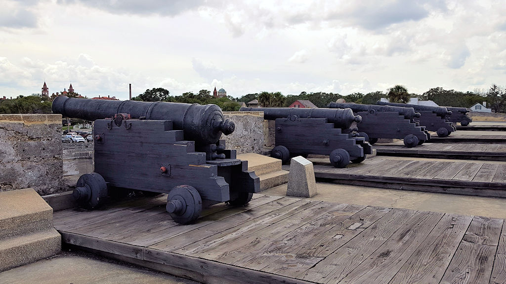 castillo de san marcos cannons on the terreplein