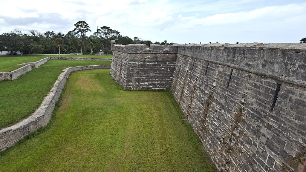 castillo de san marcos fortress walls